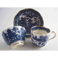 Caughley Scalloped Trio of Tea Bowl, Coffee Can and Saucer, Blue and White 'Pagoda'  Landscape Pattern,  c1785
