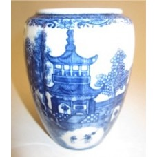 Caughley 'Barrel' Shaped Moulded Tea Canister (Lacking its Lid), Decorated with Blue and White 'Temple' Pattern, c1785