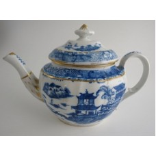 Coalport 'John Rose' Fluted Oval Blue and White Chinese  Pattern Teapot, c1800