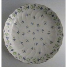 Worcester 'Shanked Body' Bread and Butter or Cake Plate, Decorated with 'Cornflowers', c1795
