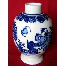 Worcester 'Bat' pattern Tea Canister, ovoid shaped body,  disguised Chinese numeral mark of a '4', c1780